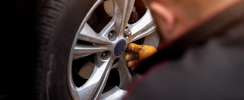 4 Tips to Choosing the Best Electric Car Tires