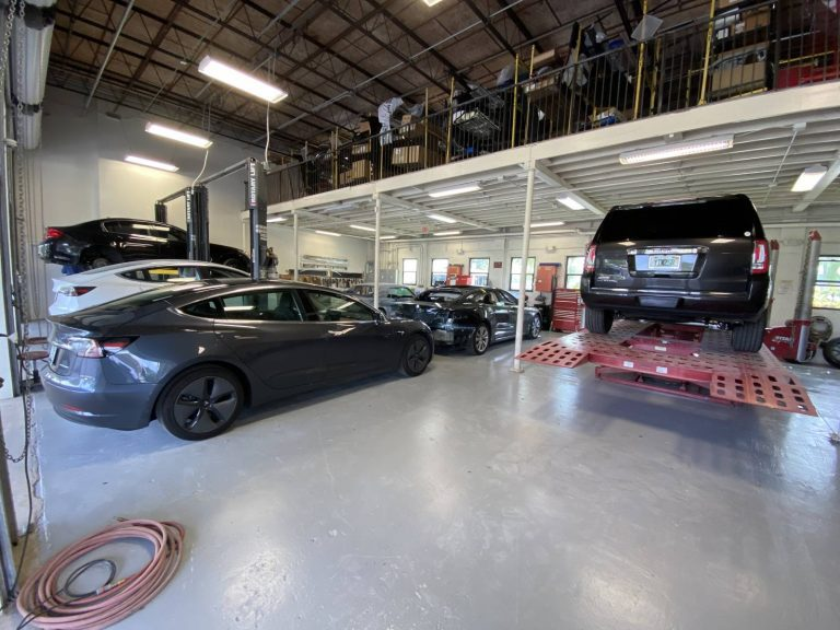North Collision Center Shop (14)