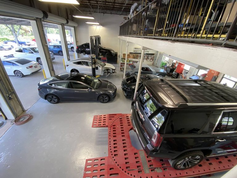 North Collision Center Shop (23)