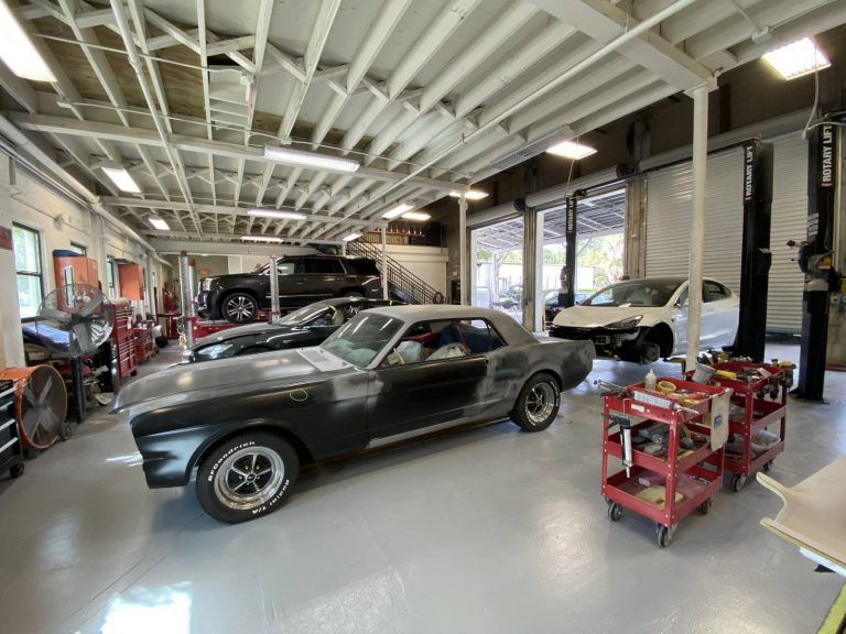North Collision Center Shop (8)